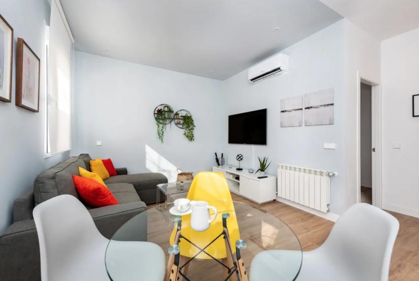 salon comedor piso alonso cano chamberi Barbieri real estate